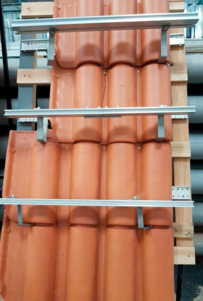 Suporte solar em telha de ceramica